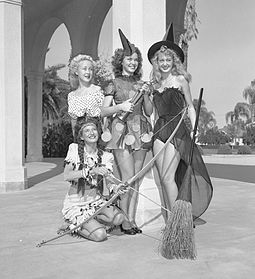 255px-Slick_Chicks_Halloween_1947